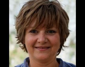 Jennifer, 58 years old