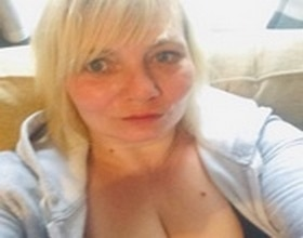emmalene, 42 years old