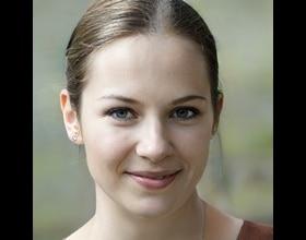 Mira,26 years old